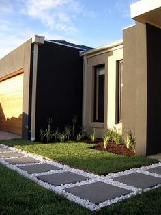 High Quality Modern Garden Ideas Design For Frontyard. Walkway On Sides Of House. Allée