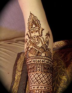 Ganesh Mendhi! <3   remover of obstacles, especially on a day as important as your wedding!
