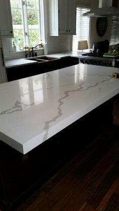 Best Calacatta Borghini Quartz Quartz Engineered Stone 400 x 300