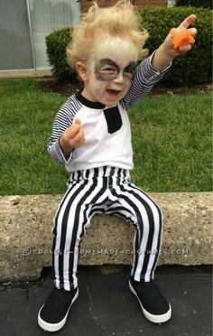 Cute DIY Beetlejuice Costume for a Toddler. Coolest Halloween Costume Contest Kids / Fun and Easy DIY Kids Costume Ideas Toddler Boy Halloween Costumes, Kids Costumes Girls, Diy Halloween Costumes For Kids, Halloween Costume Contest, Baby Halloween Costumes, Costume Ideas, Family Costumes, Carnival Costumes, Carnival