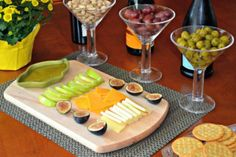 Celebrate Fall with a Sangria and Cocktail Party: Some Great appetizer & cocktail recipes. Cocktails For Parties, Fall Cocktails, Appetizers For Party, Appetizer Recipes, Sangria Party, Wine And Cheese Party, Cheese Platters, Food Presentation, Cocktail Recipes