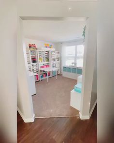 Sewing Room Design, Craft Room Design, Craft Room Decor, Craft Room Storage, Room Decor Bedroom, Craft Room Lighting, Basement Craft Rooms, Craft Tables With Storage, Craft Room Tables