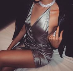 Pinterest: dopethemesz ; bougie glam aesthetic; grey satin dress