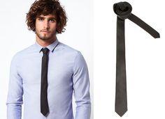 Chemise bleue et cravate noire #groomsuits #costume #marie #costumemarie #mariage #wedding