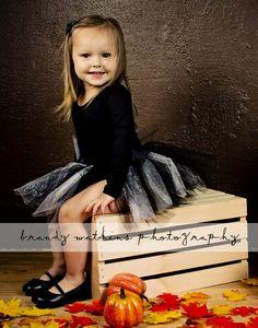 #fall #autumn #photography #photographer  photo shoot idea for kids