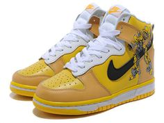 Bumble Bee Nike Dunks High Custom Transformer,The shoe is made up of the patent leather with a yellow and black colorways.The yellow is covered on the upper of the shoes,while the black is placed with the nike swoosh.