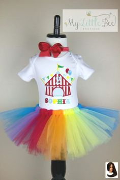 Outfit fiesta Birthday Circus Tent Tutu Set -Birthday Party outfit- Circus Birthday set - Carnival theme- First Birthday outfit Birthday Circus Tent Tutu Set -Birthday Party outfit- Circus Birthday set - Carnival theme- First Birthday outfit Circus Carnival Party, Kids Carnival, Circus Theme Party, Carnival Birthday Parties, Circus Birthday, First Birthday Parties, 2nd Birthday, Birthday Ideas, Vintage Carnival