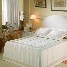 Dream Bedroom, Master Bedroom, Bedroom Decor, Bed Cover Design, Indoor Outdoor Furniture, Ideas Hogar, Beautiful Bedrooms, Bed Covers, Bed Spreads