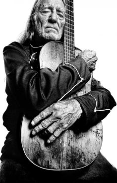 Willie Nelson - just saw Willie @ Gruene Hall in Gruene, TX - amazing! Sounds the same in concert and he played the guitar in the picture! Willie Nelson, Country Singers, Country Music, Outlaw Country, Good Music, My Music, Best Guitar Players, Music Theory, Music Notes