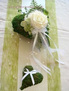 Table decoration for approx. green for wedding table decoration Lantern Centerpiece Wedding, Elegant Centerpieces, Wedding Centerpieces, Wedding Table, Wedding Bouquets, Home Wedding Decorations, Flower Decorations, Christmas Decorations, Table Decorations
