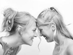 madre-e-figlia 4 Family Issues, Anna Marias, Couple Photos, Hair Styles, Photography, Cousins, House, Madrid, Behance