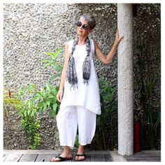 White Linen Pants and Swing Top Linen Tunic, Linen Pants, Advanced Style, Resort Wear, Cropped Pants, White Tops, Beautiful Outfits, Casual, Bali