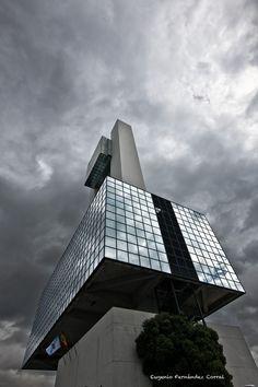 Torre de Control Marítimo de La Coruña de Eugenio Fernandez Corral