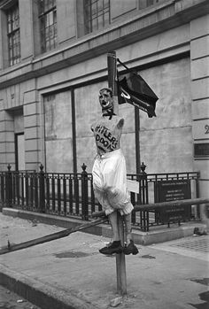 London. Westminster. Whitehall. Hitler's Doom effigy outside the Free French headquarters at 4 Carleton Gardens. Life in London during The Blitz of World War II in 1939-40. 1940.