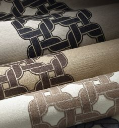 A timeless technique of #embroidered appliqué that takes a modern turn with an interlocking #chain #motif of plush felt embroidered atop #natural #hemp and #jute with contrast stitching. #Wallcovering from #Chain Reaction