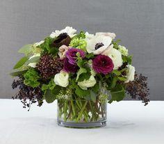 Resultado de imagen de centerpieces for weddings purple white