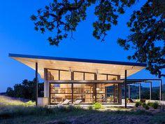Caterpillar House by Feldman Architecture winds across California terrain