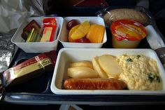 These In-Flight Meals Will Make You Want To Travel More. Yum! - http://news-ninja.com/these-in-flight-meals-will-make-you-want-to-travel-more-yum/