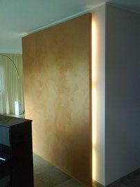 Indirekte Beleuchtung an einer farbigen Wand sieht toll aus. Gestaltung von Malermeister Holger Berges in Lemgo (32657)   Maler.org