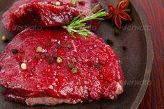 raw fillet mignon on cast iron pan misc Cast Iron, It Cast, Rare Steak, Food Fresh, Fresh Garlic, Iron Pan, Grilling, Protein, Blood