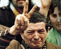 1990 - Otorgado a David C. Turnley por las fotografías de levantamientos políticos en China y Europa del Este
