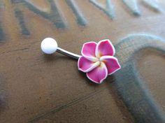 Bauchnabel Ring Schmuck. Schöne rosa Plumeria auf eine 14 gauge, chirurgischen Stahl Langhantel. Die Bar ist 8mm lang. Die Blume ist ca. 13mm an der breitesten Stelle. Jede Blume kann leicht unterschiedlich ausfallen. Ich akzeptiere nicht, dass Renditen von Körperschmuck. Double-Check,