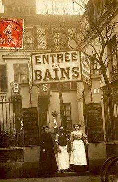 Old Paris, Vintage Paris, French Vintage, Robert Doisneau, Paris Secret, Paris Architecture, Paris Photography, Paris Photos, Black And White Pictures