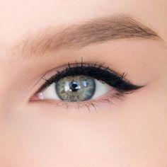 Рисуем красивые стрелки на глазах   Макияж и уход за собой