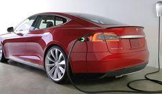 Tesla İle Elektrik Kesintisine Son  Elektrik motorlu #Tesla otomobiller ile evlerde elektrik kesintisi tarihe karışıyor. California'daki bir enerji şirketiyle anlaşan Tesla, elektrik kesintisi halinde şebekeye Powerpack pillerle güç sağlayacak. Ayrıca jeneratör gibi çalışan Tesla otomobiller hem sokaklara hem de konutlara #elektrik verecek.