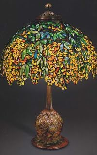 architect design™: The Lamps of Louis Comfort Tiffany / Laburnum Lamp. Photo: Colin Cooke. The Lamps of Louis Comfort Tiffany, by Martin Eidelberg, et al.