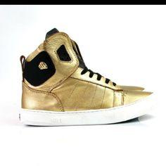 Hardcore Footwear  F/W Collection 2015  Shoponline :  www.hardcorefootwear.com.br  #winter15 #prefall #hardcorefootwear #sneaker #sneakerhead #hardcoreteam #teamhardcorefootwear #hardcoreladies #sportchic #activewear  55.11.9.3013.8919