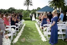 At the University Park Country Club in Sarasota, we offer an amazing venue for your perfect wedding. Call us today to schedule a tour with our very own Bobbi Richman, Sarasota's favorite wedding planner! And remember, you don't have to be a member to get married here! #UniversityParkWeddings http://www.universitypark-fl.com/weddings/  Apple Video & Photography Studio 2013