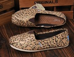 these leopard toms