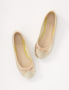 I've spotted this @BodenClothing Leather Ballet Flats Pale Gold Metallic