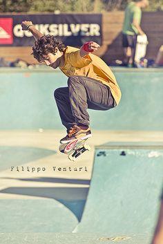 Skateboard Society al Concrete Skatepark di Osimo.  Vedi tutte le foto della giornata nel mio blog  .   skateboarding click here > http://click.9bromas.com/?p=6