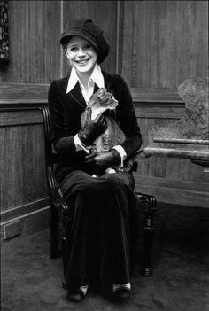 Marianne Faithfull & cat, 1970