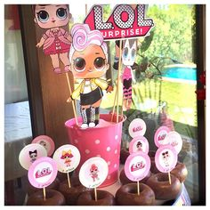 The centerpiece at this LOL Surprise Dolls birthday party i 2nd Birthday Parties, Birthday Party Decorations, Surprise Birthday, 7th Birthday, Lol Doll Cake, Barn Parties, Doll Party, Bday Girl, Lol Dolls