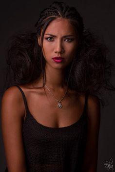 Model : Anny Nguyen. Hairdressing : Christophe Pujol. Make-up : Melle Bulle. Photo : Nath-Sakura