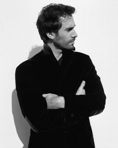 Joseph Fiennes. Fine Hannah.. maybe with hair, from the side, and in black and white lol