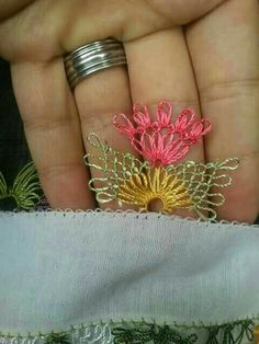 This Pin was discovered by Ali Needle Lace, Needle And Thread, Tatting Patterns, Crochet Patterns, Crochet Unique, Types Of Lace, Viking Tattoo Design, Sunflower Tattoo Design, Helly Hansen