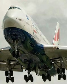 Boeing British Airways to keep them flying for a few years Boeing 747 400, Boeing Aircraft, Airbus A380, British Airways 747, 747 Jumbo Jet, International Civil Aviation Organization, Commercial Aircraft, Military Aircraft, Airplanes