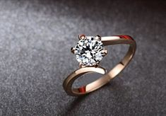 Twisted rose gold engagement ring (Ronde Moissanite bague de fiançailles bague en par Donatellawedding, $380.00)