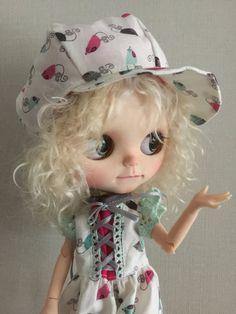 Hat for blythe doll by Handmadebyjolanda on Etsy