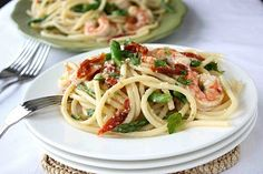 Shrimp, Sun-Dried Tomatoes & Asparagus Bucatini Recipe in White Wine & Garlic Sauce