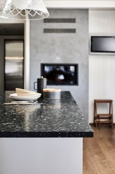 Unique and durable high quality stones, excellent for worktops, tiles and interior or exterior decoration. Dining Area, Kitchen Dining, Modern Stoves, Interior And Exterior, Interior Design, Scandinavian Kitchen, Nordic Style, Kitchen Styling, Minimal Design