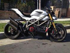 Nakedduc's garage :: ducati streetfighter