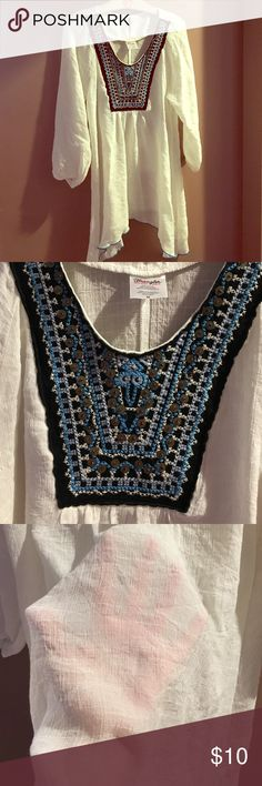 Wrangler M Top w/Beautiful Thread & Bead Work This top is white but looks creamy white in some lighting. It's very light and breathable, perfect for Spring! Only worn once and is in like new condition. If you want to know anything else please ask!  Wrangler Tops Tunics