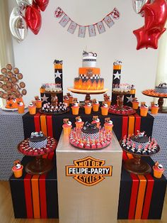 Motorcycle party adult birthday cakes Ideas for 2019 Motorcycle Birthday Parties, Biker Birthday, Motorcycle Wedding, Adult Birthday Cakes, 60th Birthday Party, Birthday Ideas, Dirt Bike Party, Baby Shower Motorcycle, Biker Party