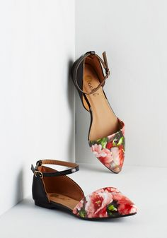 Vivid It Up Flat in Roses. Live your life with spirited vibrance in these black flats! #black #modcloth