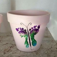 Kids footprint painting ideas/ perfect for mother's day/ DIY gifts / flower pot/kids crafts Kids Crafts, Baby Crafts, Crafts To Do, Arts And Crafts, Infant Crafts, Toddler Crafts, Easter Crafts, Homemade Mothers Day Gifts, Mothers Day Crafts